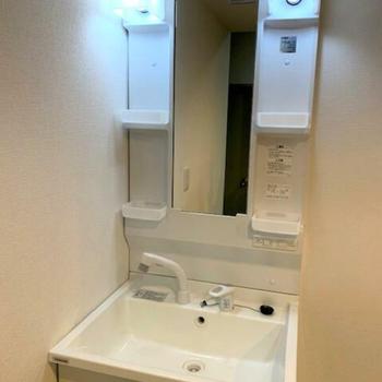 独立洗面台もありますよ