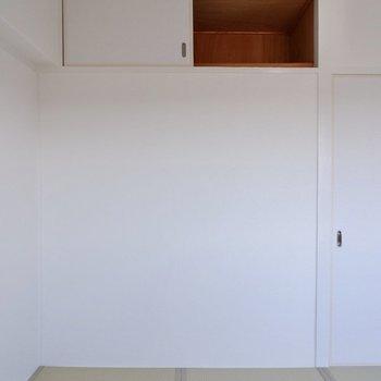 【和室1】上にはちょっとした収納もありますよ。