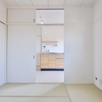 【和室1】引き戸で空間を仕切れます。