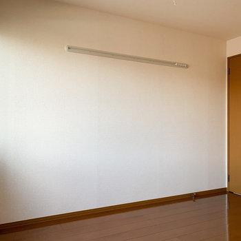 【洋室7帖】全部屋ピクチャーレール付きなんですね。