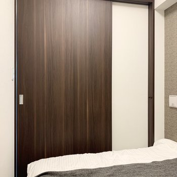 【3帖洋室】扉を閉めると落ち着けそう。※家具はサンプルになります