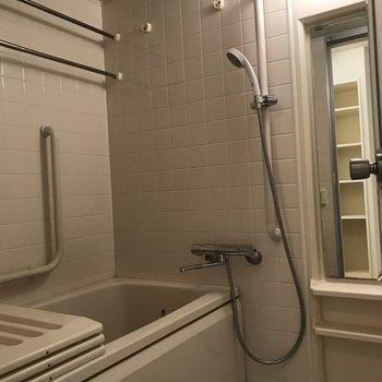 ゆったりとした浴室※写真は前回募集時のものです
