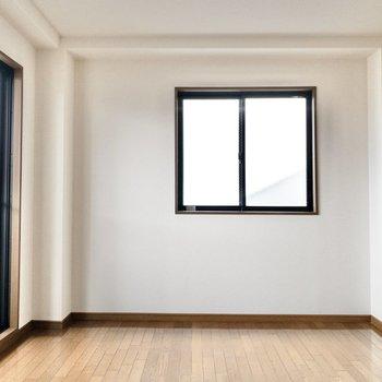 二面採光のお部屋です!