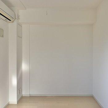 エアコン完備です。※写真は3階の反転間取り別部屋のものです