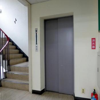 エレベーターも有り