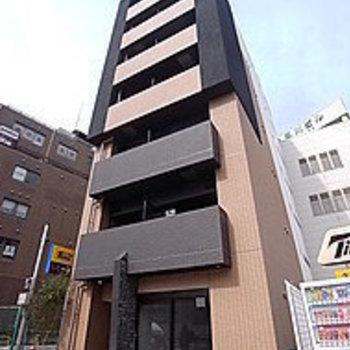 1階は不動産屋さんです。