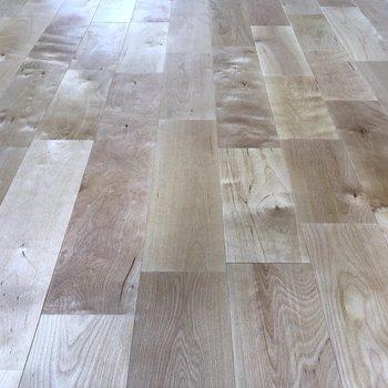 【ディテール】バーチの無垢床です!
