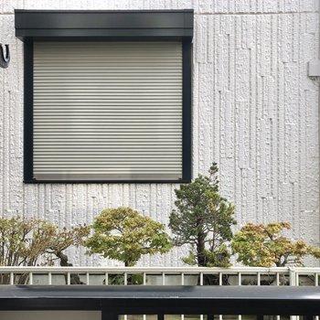【10J】眺望はお隣さん。外干し可能です。