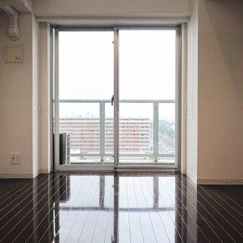 上質な家具が似合う、モダンな空間です。