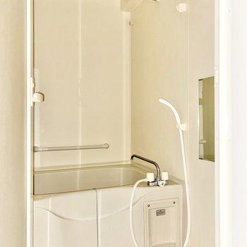 浴室乾燥機付きです。雨の日などご利用ください。※写真は前回募集時のものです