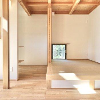 約3帖の畳空間、お昼寝スペースになりそうですね。