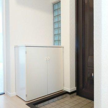玄関もしっかりスペースで出入りしやすいです。