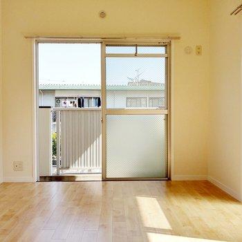 この部屋にもエアコン設置可能◎ダブルベッドもすっぽり入る広さ。