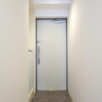 玄関はゆったりめです