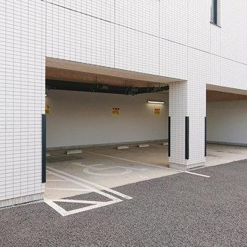 駐車場も併設されていますが、空きはありません。