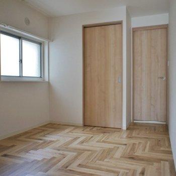 お洒落な洋室2★※写真は同タイプの別室。