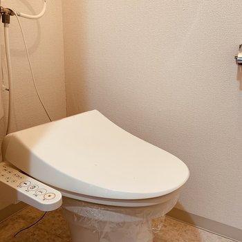 おトイレはウォッシュレット付き◯