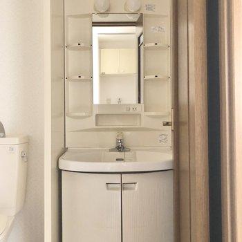 独立洗面台なので、身支度もしやいです。※写真は前回募集時のものです