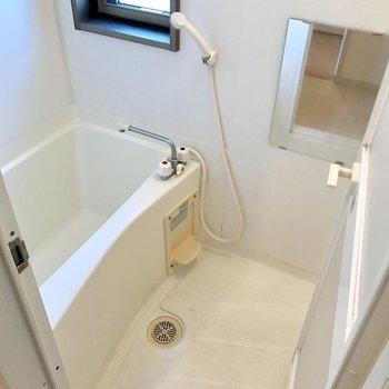 浴室乾燥機付き!(※写真は14階の同間取り別部屋、清掃前のものです)