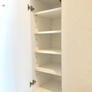 シューズボックスにはよく使うものだけを仕舞ってね。(※写真は14階の同間取り別部屋、清掃前のものです)
