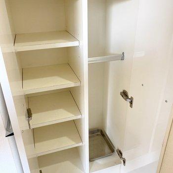 棚は可動式ですよ。サイズに合わせて調整を。