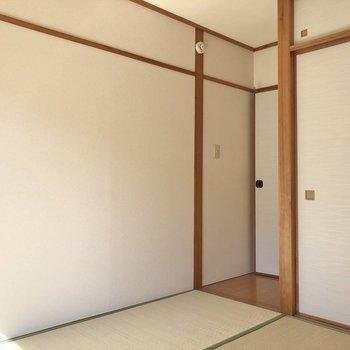 【和室】大きめの家具は置けないかも