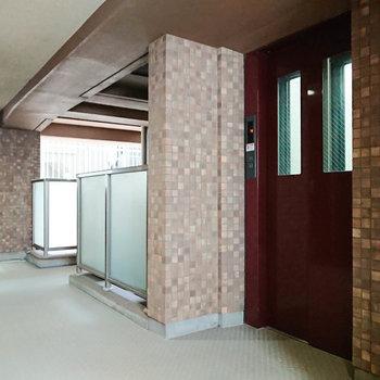 エレベーターがあると、家財の搬入も楽ですね。