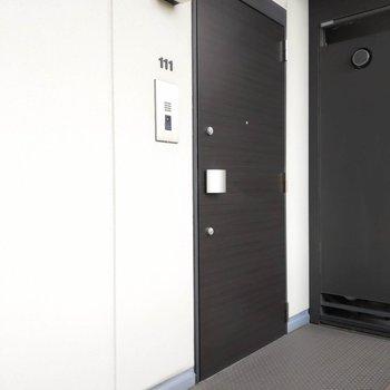 角部屋111号室のご紹介でした。