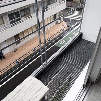 LDKの階には小さめですが、ベランダつきです。