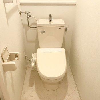 トイレはもちろんウォシュレット!※写真は同間取り反転タイプのもの