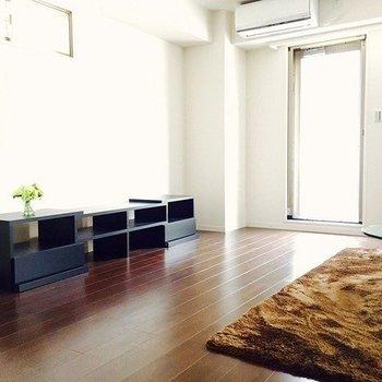 スマートな大人の部屋はこんな感じ。(※写真は3階同間取り別部屋のものです)