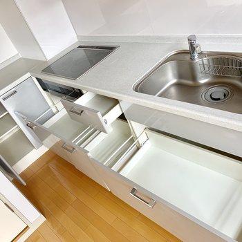 調理器具はここに。