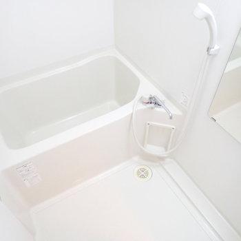 バスルームも白で!