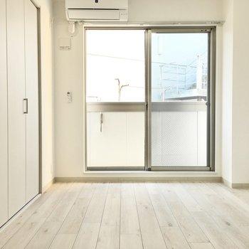 ダブルベットはギリギリかなぁ。※写真は2階同間取り・別部屋のものです