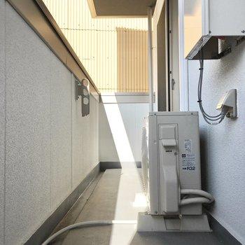 午後になればバルコニーに陽が当たります。※写真は2階同間取り・別部屋のものです