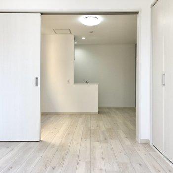 お客さんが来たときはサッと閉めて。※写真は2階同間取り・別部屋のものです
