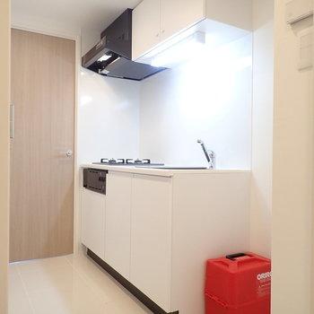 キッチンはお掃除しやすそうな印象。※写真は前回募集時のものです