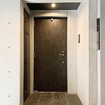 エレベーターもそばに。