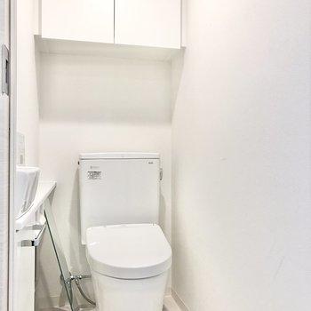 トイレは個室に。手洗い場付きです※写真は前回募集時のものです