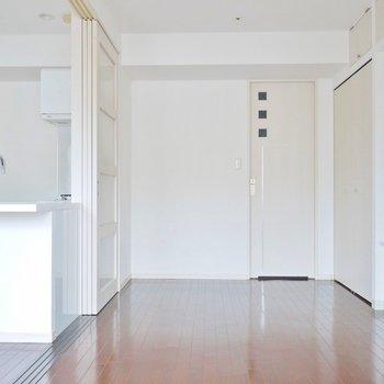 洋室も十分な広さ。※写真は、1107号室のもの