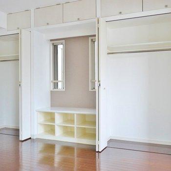 たっぷりな収納スペース。※写真は、1107号室のもの