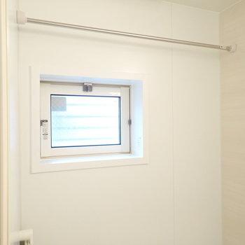 小窓もあり、湿気対策に◎