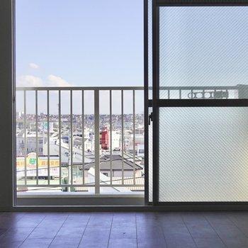 お部屋の中から外の素晴らしい眺めを見ることができます◎