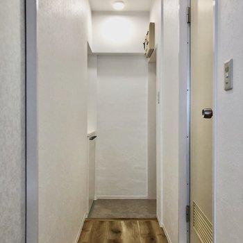 廊下にはものを置かずスッキリ使いたい。
