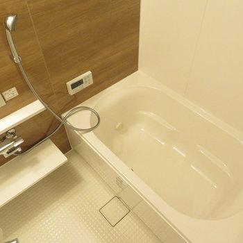 お風呂も当然綺麗※写真は同間取り別部屋のものです