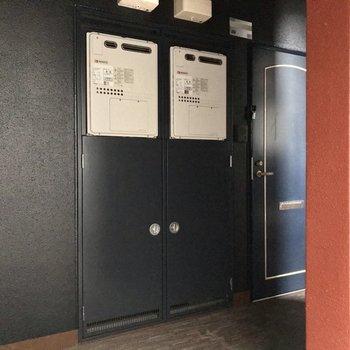 共用廊下は少し暗めだけど、綺麗でした!