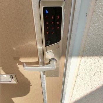 鍵は電子錠なんです!ハイテク!セキュリティも◎