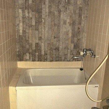 【工事前】お風呂に浸かって疲れを癒やすのも◎