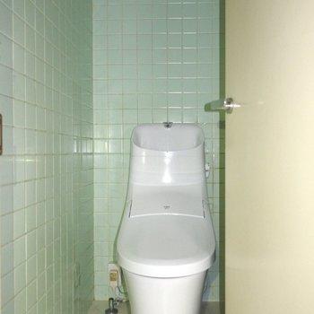 【工事前】温水洗浄便座で快適に。
