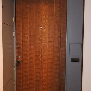 扉はこんな感じです